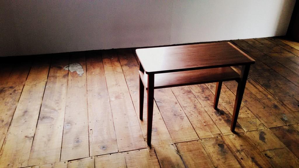 ウォールナットサイドテーブル