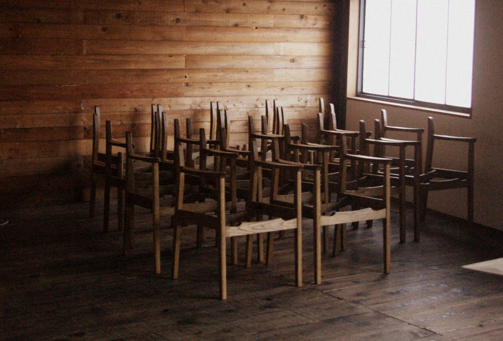 ナラのオーダーチェアー/肘掛椅子と肘無し椅子